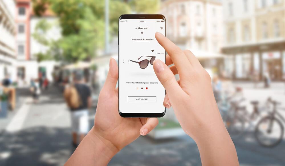 e-commerce eyewear